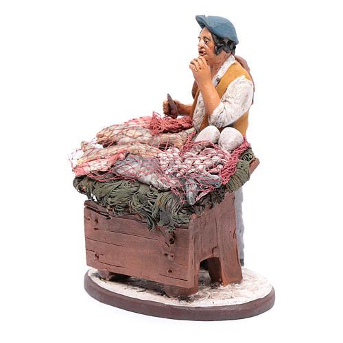 venditore pesce in terracotta presepe Deruta 18 cm 2