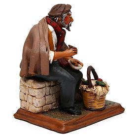 Contadino seduto con zappa presepe Deruta 30 cm terracotta s4