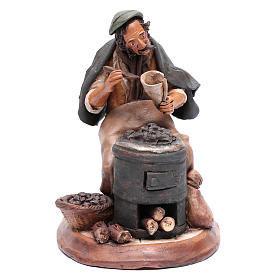 Uomo con caldarroste per presepe Deruta 30 cm terracotta s1