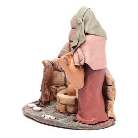 Femme au puits crèche Deruta 18 cm terre cuite s2
