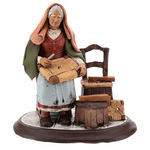 Vieille femme réparatrice de chaises pour crèche 30 cm en terre cuite Deruta 1