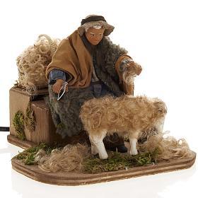 Presépio Napolitano: Movimento presépio homem tosquiando ovelha 14 cm
