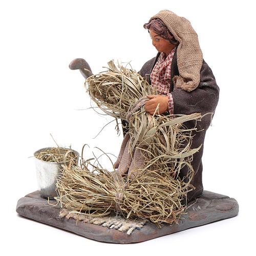 Neapolitan Nativity figurine, woman with sickle, 10 cm 2