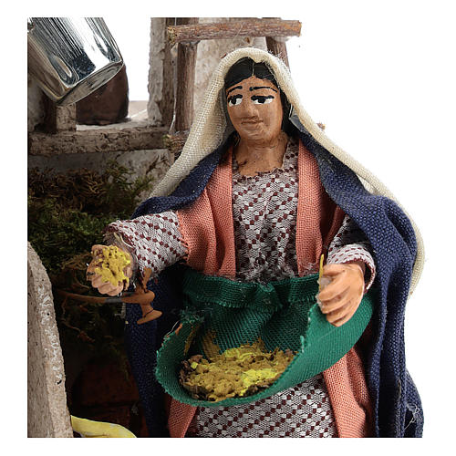 Neapolitan Nativity figurine, moving lady with hens, 10 cm 2