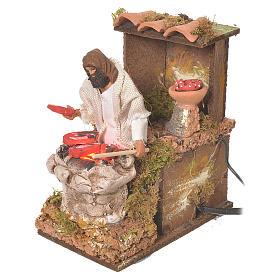 Pastore con carne 8 cm movimento presepe con led fuoco s3