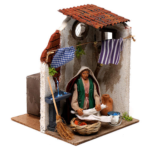 Animated woman hanging clothes 10cm Neapolitan Nativity 3