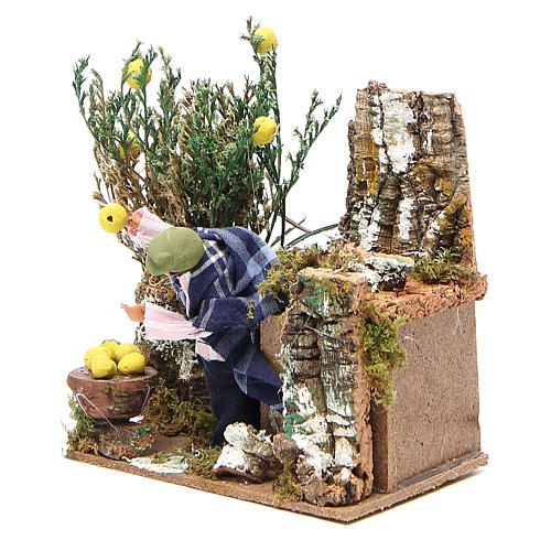 Animated nativity figurine 10cm man collecting lemons 2
