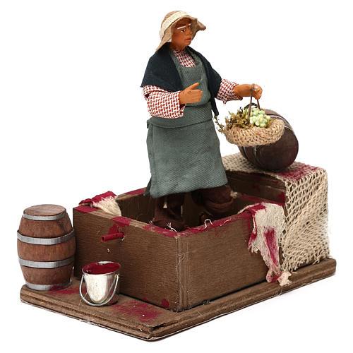 Man squeezing Grapes 12cm neapolitan animated Nativity 2