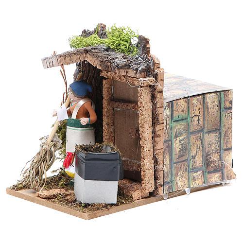 Woman sweeping measuring 7cm, animated nativity figurine 2