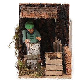 Woodsman measuring 7cm, animated nativity figurine s1
