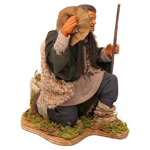 Animated Neapolitan Nativity figurine Man kneeling with hat 30cm 3