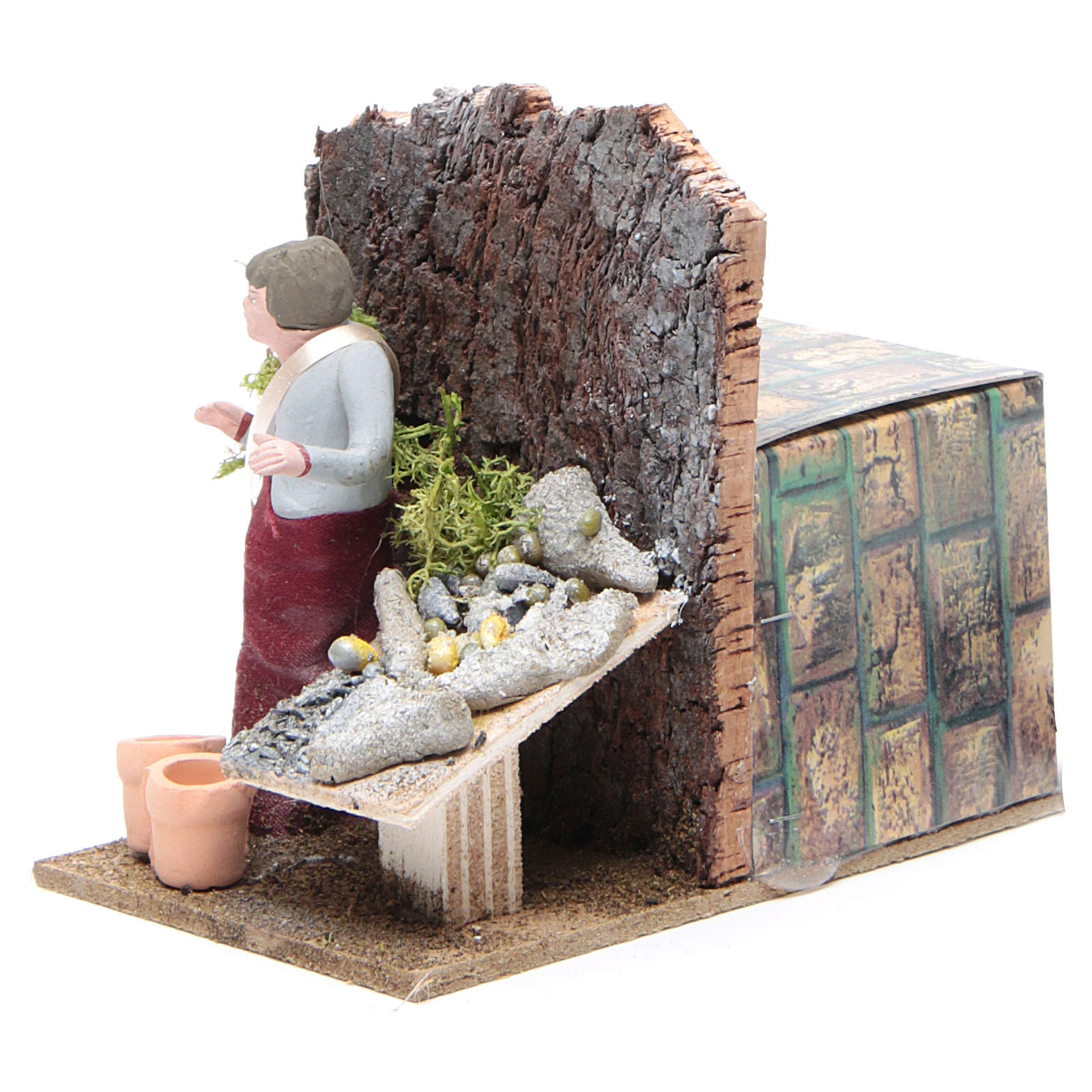 Man selling fish measuring 10cm, animated nativity figurine 3