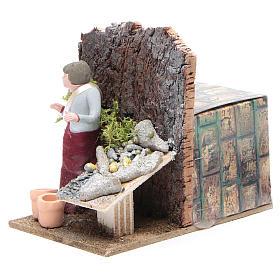 Man selling fish measuring 10cm, animated nativity figurine s2