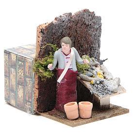 Man selling fish measuring 10cm, animated nativity figurine s3