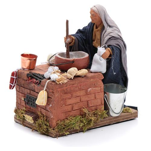 Donna in cucina 12 cm con movimento presepe napoletano 2