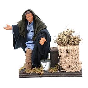 Moving amazed shepherd kneeling for 12 cm Neapolitan nativity scene s1