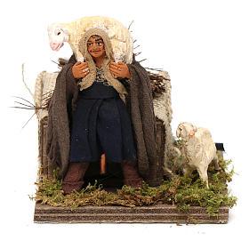 Presépio Napolitano: Homem com ovelha movimento para presépio napolitano com  figuras altura média 10 cm