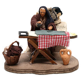 Woman ironing 10 cm  for Neapolitan nativity scene s1