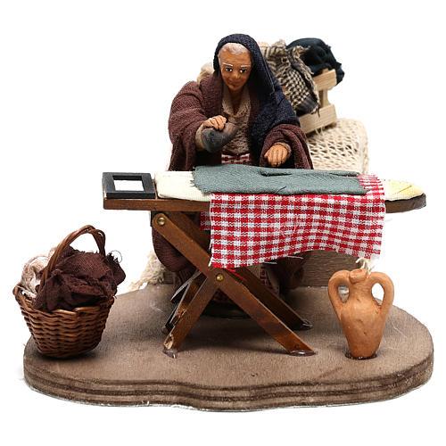 Woman ironing 10 cm  for Neapolitan nativity scene 1