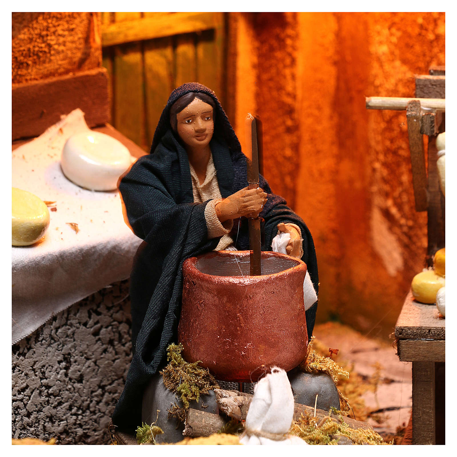 Moving woman mixing polenta and cheeses 12 cm  for Neapolitan nativity scene 4