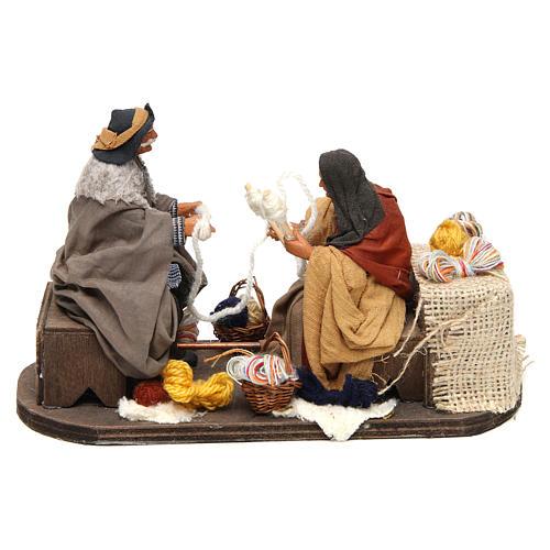 Movimento anziani che raggomitolano lana 12 cm presepe Napoli 1
