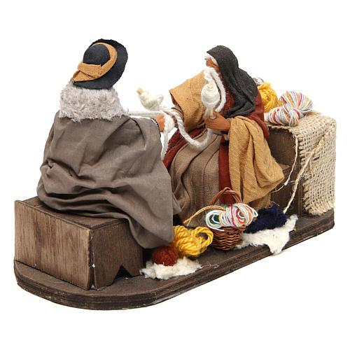 Movimento anziani che raggomitolano lana 12 cm presepe Napoli 2
