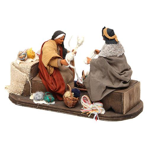 Movimento anziani che raggomitolano lana 12 cm presepe Napoli 3
