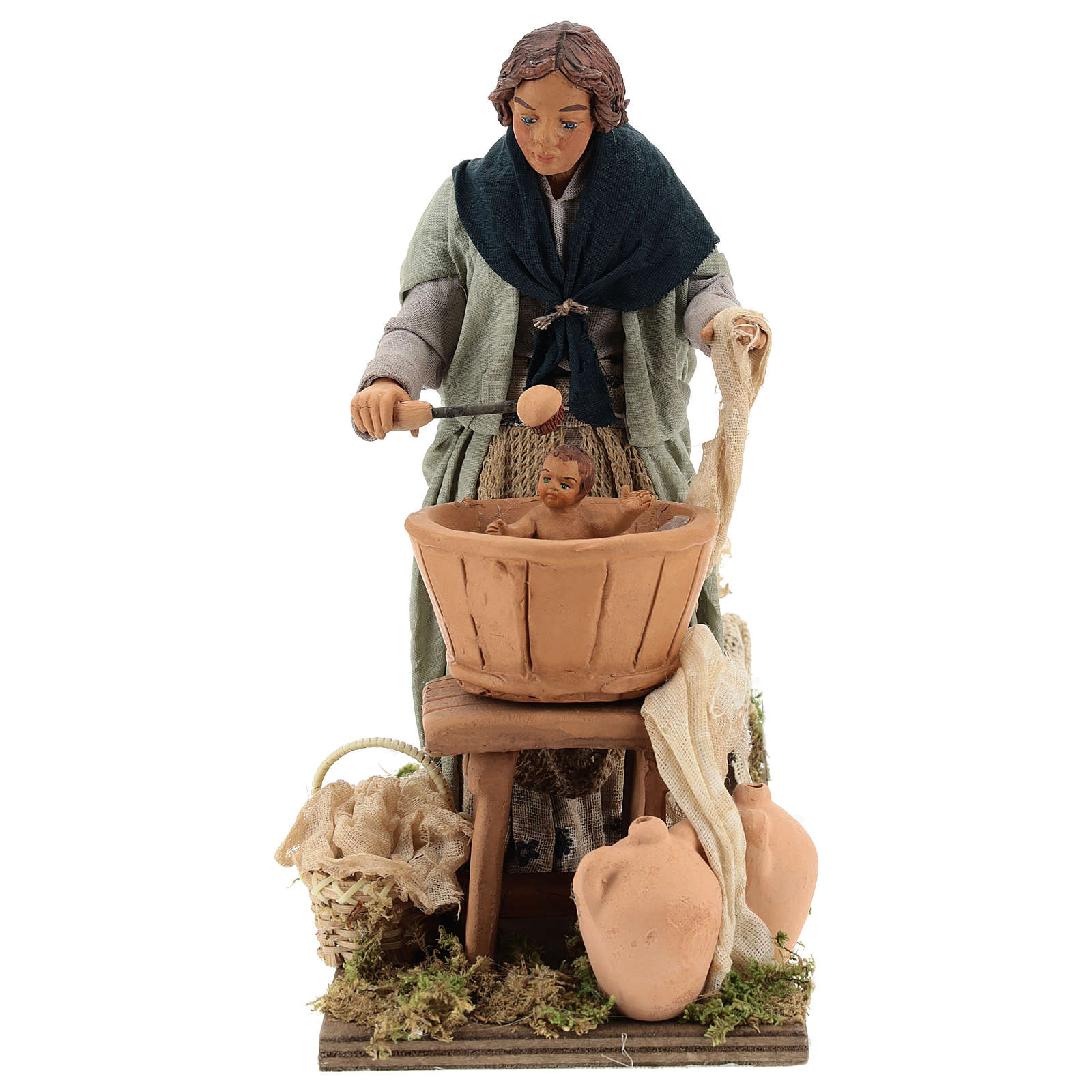 Mujer lavando al niño movimiento Belén Napolitano 24 cm 4