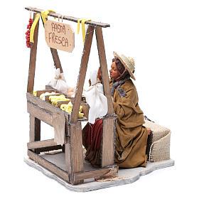 Fresh pasta seller 24 cm for Neapolitan nativity scene s2