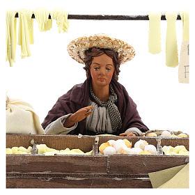 Escena en movimiento vendedora pasta fresca pesebre napolitano 24 cm s2