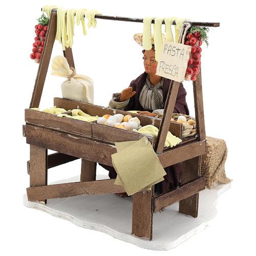 Escena en movimiento vendedora pasta fresca pesebre napolitano 24 cm 3