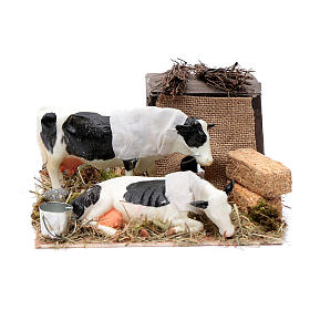 Neapolitan nativity scene moving cows with hay bale 12 cm s1