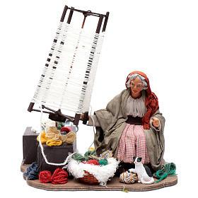 Presépio Napolitano: Mulher idosa fiando lã movimento 24 cm presépio napolitano