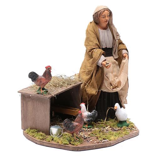 Donna che nutre galline movimento 30 cm presepe napoletano 1