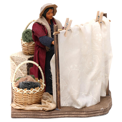 Moving Woman Hanging Clothes Neapolitan nativity 12 cm 4