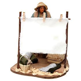 Scène femme qui secoue son linge pour crèche napolitaine 24 cm s1
