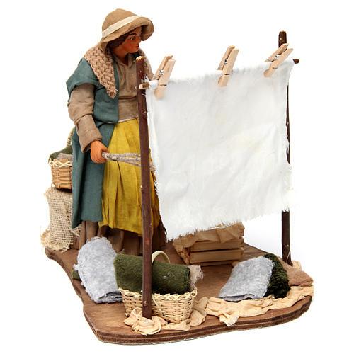 Scène femme qui secoue son linge pour crèche napolitaine 24 cm 4