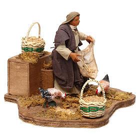 STOCK Mujer con gallinas movimiento cm 12 belén napolitano s3