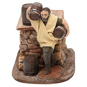 Figuras em Movimento para Presépio: Homem com barril Oliver com movimento para presépio com  figuras de 10 cm de altura média