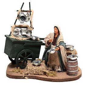 Vendedora con carro ollas18x19x10 cm movimiento para belén Nápoles de 10 cm s1