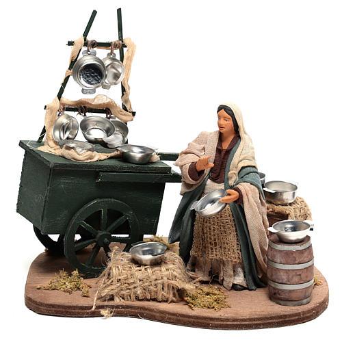 Vendeuse de casseroles avec charrette 18x19x10 cm mouvement pour crèche Naples 10 cm 1