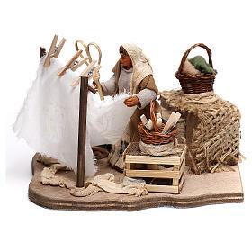 Animated woman statue knocking fabric 10x15x10 cm, for 10 cm Neapolitan nativity s1