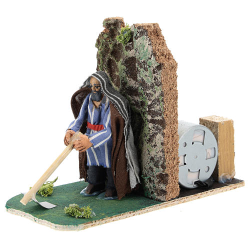 Moving farmer with hoe for Neapolitan Nativity Scene 7 cm 2