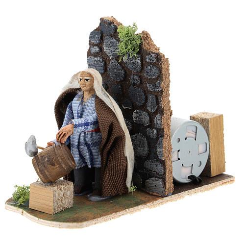 Moving man fixing barrels for Neapolitan Nativity Scene 7 cm 2