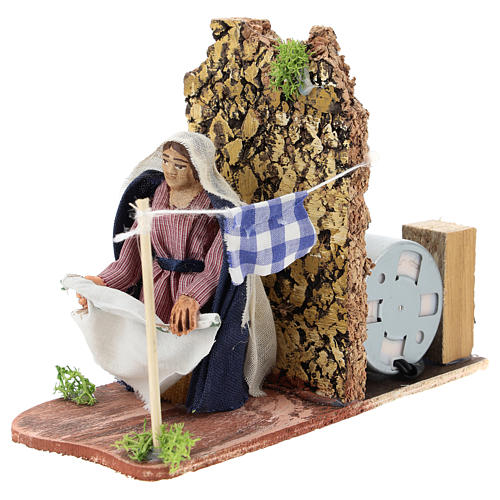 Moving woman hanging linens for Neapolitan Nativity Scene 7 cm 2