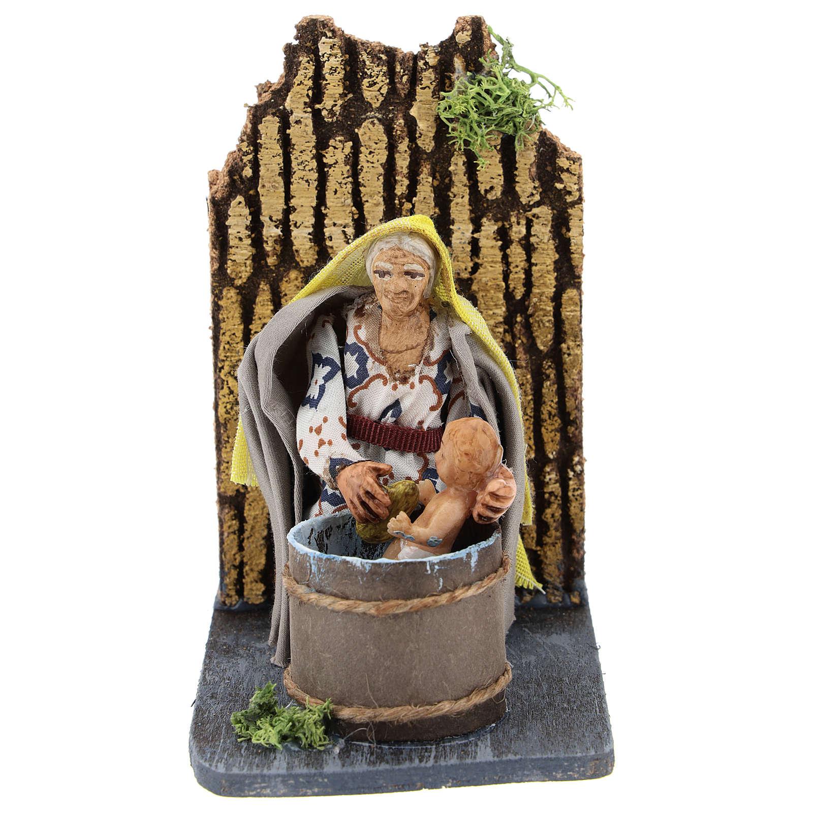 Donna che lava bambino presepe napoletano movimento 7 cm 4