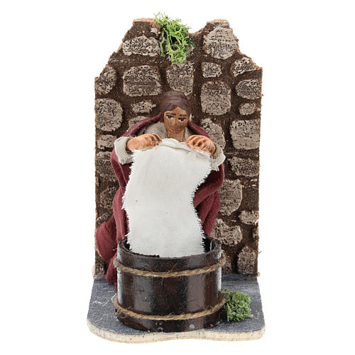 Moving laundress for Neapolitan Nativity Scene 7 cm 1