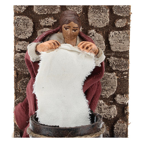 Moving laundress for Neapolitan Nativity Scene 7 cm 2