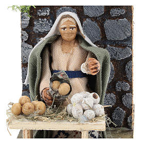 Moving egg seller for Neapolitan Nativity Scene 7 cm s2