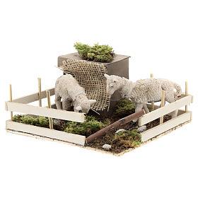Moutons qui broutent dans un enclos mouvement crèche Naples 6 cm s2